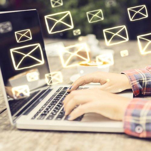 E-Mails und ihre Vor- und Nachteile: Segen und Fluch im PM