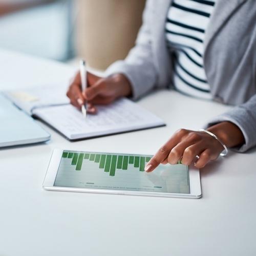 Budgetabweichungen rechtzeitig erkennen mit der Kostentrendanalyse